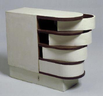 Cabinet à tiroirs pivotants - Eileen Gray - 1926-1929 - © Centre Pompidou - Jean-Claude Planchet